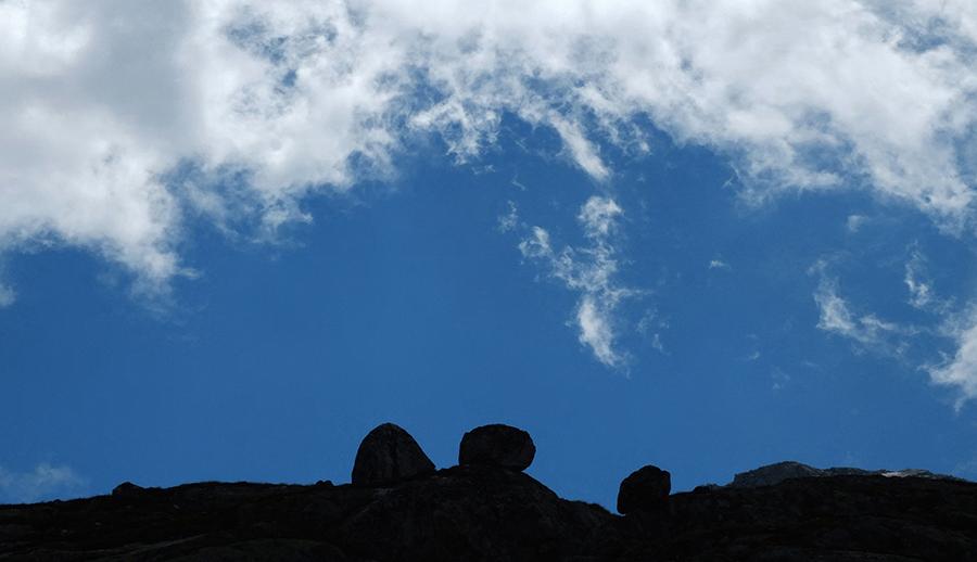 grimselwelt – grimsel – grimselpass – grimsel hospitz – grimselsee – oberaarsee – totesee – passhöhe – pass – gletscher – stausee – wasser kraftwerk – kraftwerke oberhasli – berner oberland – oberwallis – berner alpen – urner alpen – berge – wolken – schweizer alpen – mountains – swiss alps – clouds – reinhold messner – mark twain – art – kunst – art paintings – art photography – fotografie – by peter gartmann + sabina roth – peter gartmann – peter walther gartmann – walther gartmann – gartmann – sabina roth – roth – art + photography – kunst + fotografie – basel – baselland – zürich – schweiz – switzerland – susanne minder art picture collection – susanne minder photo collection – collection susanne minder – bildarchiv – represented by marco stücklin – www.marco-stuecklin.ch – marco stücklin – stücklin – stuecklin