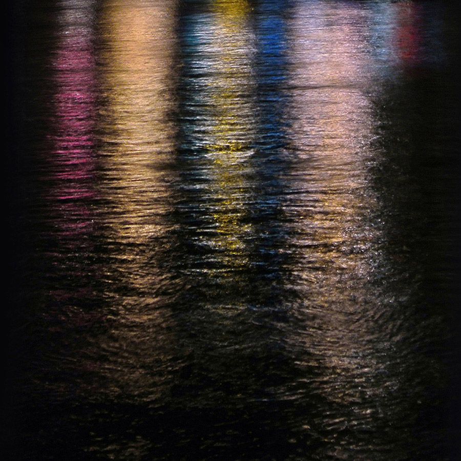 wasser licht reflexionen – water light reflections – art – kunst – art paintings – art photography – fotografie – by peter gartmann + sabina roth – peter gartmann – peter walther gartmann – walther gartmann – gartmann – sabina roth – roth – art + photography – kunst + fotografie – basel – zürich – schweiz – switzerland – ramstein optik – andi bichweiler – andreas bichweiler – susanne minder art picture collection – susanne minder photo collection – collection susanne minder – bildarchiv – represented by marco stücklin – www.marco-stuecklin.ch – marco stücklin – stücklin – stuecklin
