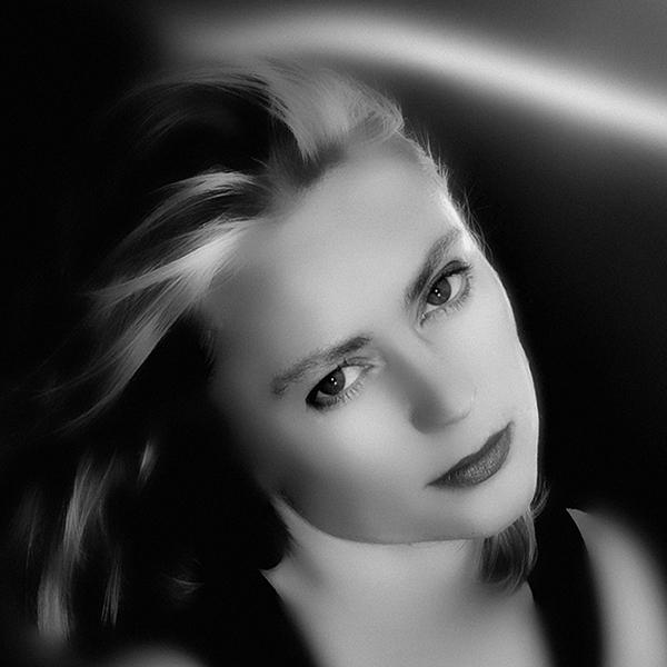 portraits spotlight – portraits – spotlight – portraits in the spotlight – porträts – porträtfotografie – portraitfotografie – art portraits – portrait photography – yvette – modell – portrait – von angesicht zu angesicht – menschen – brustbild – brustporträt – ganzkörperporträt – authentisch – ausdrucksstark – stilvoll – elegant – edel – glamour – schönheit – persönlich – charakter – face to face – face – gesicht – gesichtszüge – spiegelbild der seele – emotions – emotionen – emozioni – gefühle – antlitz – mimik – gesichtsausdrücke – marilyn monroe – monroe – henri cartier-bresson – cartier-bresson – annie leibovitz – leibovitz – art – kunst – artworks – art photography – fotografie – susanne minder art picture collection – susanne minder photo collection – collection susanne minder – bildarchiv susanne minder – susanne minder – minder – www.susanneminder.ch – by © sabina roth – sabina roth – roth – copyright © sabina roth – fotografin – fotograf – basel – www.sabinaroth.ch – www.instagram.com/sabinaroth_photography/ – @sabinaroth_photography – art + photography – kunst + fotografie – photographer – basel-stadt – basel-land – nordwestschweiz – zürich – schweiz – switzerland – peter gartmann – peter walther gartmann – walther gartmann – gartmann – www.petergartmann.ch – www.instagram.com/petergartmann_art/ – @petergartmann_art